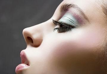 大专在校生学化妆先做什么
