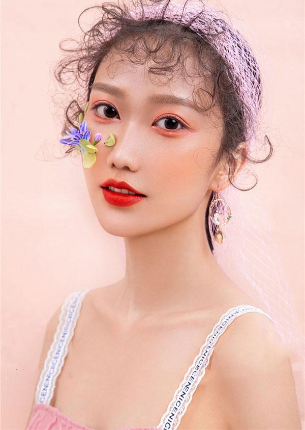 刚毕业的女生有必要学化妆吗